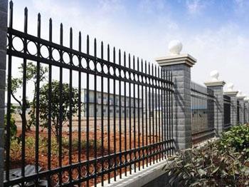 围墙护栏施工