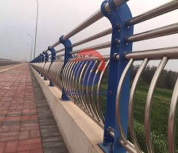 毕节不锈钢复合管栏杆